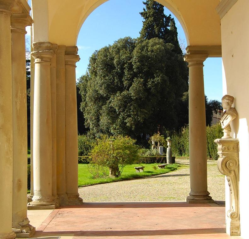 24: CORTILI E GIARDINI APERTI (Open Courtyards and Gardens in Florence ...