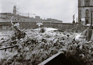 1-balthazar-korab-korab-image-ponte-santa-trinita-4-novembre-1966-copy