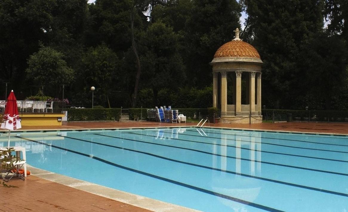 Florence 39 s pavoniere flog swimming pools magenta publishing florence for Municipal swimming pool costoli