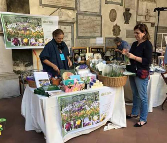 Giardino Orticoltura Firenze: Flower Market & Santo Spirito's 'Floralia'